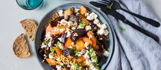 Dinner Tonight, Kung Pao Chicken, I Love Food, Low Carb Recipes, Feta, Acai Bowl, Lunch, Meals, Dishes