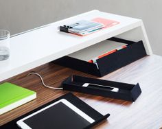 thonet S 1200 desk organizes workspaces