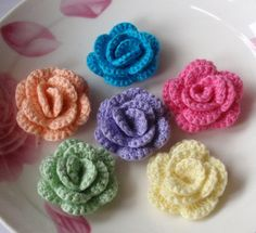 6 Crochet  Flowers Roses In 11/2 inches YH 13701 by YHcrochet, $5.99