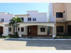 Casa en renta PRIVADA RESIDENCIAL SAN ÁNGEL, Centro, Tabasco, México $20,000 MXN | MX16-CI8772