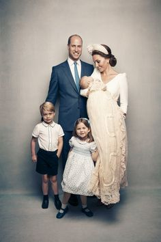 Prince Louis's christening - Prince William, Kate Middleton - Duke and Duchess of Cambridge - Prince George, Princess Charlotte Lady Diana, Duchess Kate, Duke And Duchess, Duchess Of Cambridge, Princesa Kate, Royal Family Portrait, Family Portraits, Prince William And Catherine, William Kate