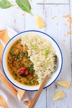 Step-by-step recipe with pictures to make dal palak. How to prepare Indian spinach dal curry. Daal Recipe Indian, Dal Palak Recipe, Dahl Recipe, Spinach Dal, Spinach Curry, Indian Food Recipes, Vegetarian Recipes, Ethnic Recipes