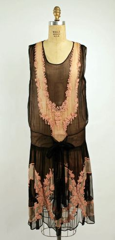 omgthatdress:    Dress ca. 1926 via The Costume Institute of the Metropolitan Museum of Art