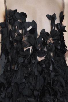 John Rocha fall 2014 rtw details Couture Details, Fashion Details, Fairytale Fashion, Soft Layers, Fashion Forms, Fall Winter 2014, Autumn Fall, Fallen London, Textiles