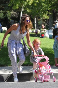 Jessica Alba's Coldwater Canyon Park Pals