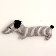 simple selfmade pet doll for kids Diy Pillows, Custom Pillows, Plush Dolls, Doll Toys, Softies, Plushies, Fog Linen, Sewing Toys, Handmade Toys