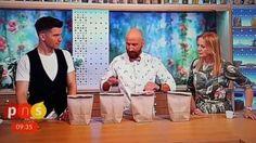 O truque de ilusionismo foi realizado em um programa de TV ao vivo da Polônia no último sábado (02/07/2016) e que teria ferido a mão da apresentadora Marzena Rogalska.Eu vi o vídeo, porém não posso afirmar com toda a convicção de que realmente machucou a apresentadora. Alguns fatores me deixaram ...