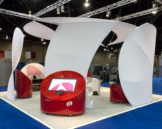 "Clever tradeshow display using spandex panels ""Dako Exhibit by Skyline Exhibits"" Exhibition Stand Design, Exhibition Booth, Trade Show Design, Store Design, Temporary Architecture, Environmental Graphic Design, Show Booth, Event Marketing, Booth Design"