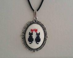 Point de croix collier, collier de chat, pendentif chat, chat Croix collier de point, point de croix brodé collier avec pendentif, collier de broderie,