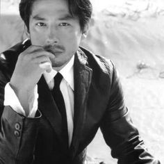 Hiroyuki Sanada b/w Japanese Face, Japanese Men, Japanese Things, Chiba, Kai, The Last Samurai, Miyamoto Musashi, Tokyo Night, Forgetting The Past