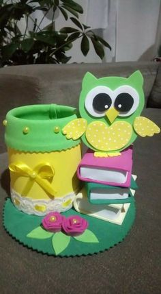 Búho Kids Crafts, Tin Can Crafts, Foam Crafts, Diy Arts And Crafts, Cute Crafts, Creative Crafts, Paper Crafts, Holiday Homework, Pot A Crayon
