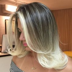Medium Dark Brown To Blonde Ombre Hair. Gorgeous shoulder length blow out for thin hair. Brown To Blonde Ombre Hair, Ombre Hair Color, Gray Ombre, Dark Blonde, Medium Hair Cuts, Medium Hair Styles, Long Hair Styles, Medium Shag Hairstyles, Light Blonde Highlights