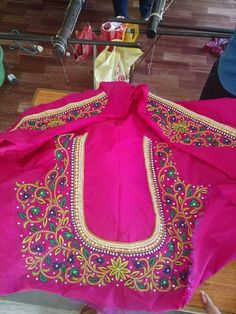 For Order pls whatsapp 7659830951 South Indian Blouse Designs, Traditional Blouse Designs, Kids Blouse Designs, Hand Work Blouse Design, Blouse Neck Designs, Wedding Saree Blouse Designs, Half Saree Designs, Silk Saree Blouse Designs, Maggam Work Designs