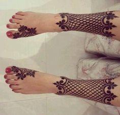 Post by Ayesha Naaz ( Pretty Henna Designs, Mehndi Designs Feet, New Bridal Mehndi Designs, Latest Mehndi Designs, Mehandi Designs, Leg Henna, Foot Henna, Henna Body Art, Henna Art