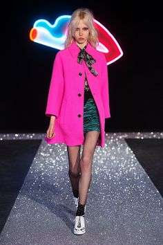 Catwalk photos and all the looks from Just Cavalli Autumn/Winter Ready-To-Wear Milan Fashion Week Winter Trends 2016, 2016 Trends, Fall 2016, Catwalk Fashion, Fashion Show, Milan Fashion, Women's Fashion, 2016 Fashion Trends, Street Chic