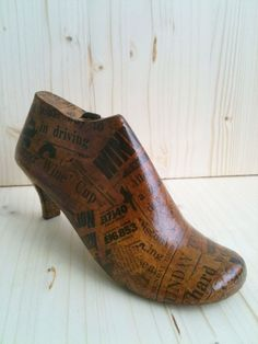 Wooden Shoe Form Fall Home Decor Vintage by LeftysHandcrafts Fall Home Decor, Autumn Home, Wooden Shoe, Vintage Newspaper, Old Shoes, Shoe Last, Shop Window Displays, Paper Decorations, Real Wood