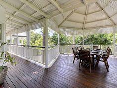 A View on Design: Classic queenslander Home Queenslander House, Luxury House Plans, Beach Design, Australian Homes, Outdoor Living, Outdoor Decor, House Goals, Coastal Living, Building A House