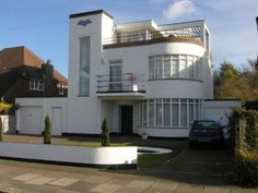1930s six-bedroomed art deco house in Luton, Bedfordshire - I drive past this house most weeks, and it would be my first lottery purchase :)