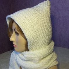 FREE crochet pattern for a Beginner Hooded Scarf.