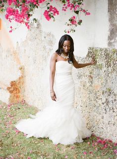 Gorgeous bride ~ Gorgeous Vera Wang Gown! Photography by ktmerry.com