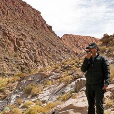 #DesertoDoAtacama no #Chile - O trajeto do tour Trekking de Guatín e #TermasDePuritama tem 7 km e é feito com cerca de 2 horas de caminhada em altitude variando entre 3.000 e 3.200 metros acima do nível médio do mar. É um trekking de nível iniciante indicado para a grande maioria de turistas que visitam San Pedro de Atacama onde basicamente se caminha por uma trilha de pedras irregulares em um ambiente que mais parece um filme de aventura. Nosso tour foi realizado com a @aylluatacama que…