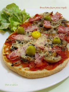 Bruschetta façon pizza royale Pizza Mama, Bruschetta Pizza, Tapas, Homemade Sandwich Bread, Bruchetta, Lemon Butter Chicken, Pita, Easy Healthy Breakfast, Snack Recipes