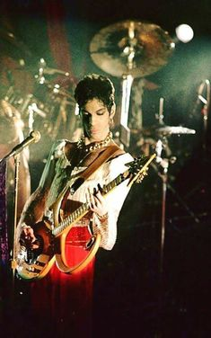 The Gold Experience Prince Gifs, Prince Quotes, My Prince, The Artist Prince, Pictures Of Prince, Prince Purple Rain, Paisley Park, Dearly Beloved, Roger Nelson