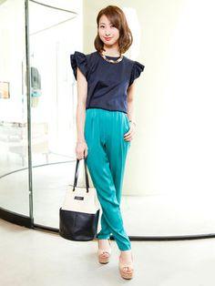 Blue ruffle top and turquoise pants #japanesefashion #ellejapon
