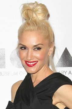 Gwen Stefani's Marilyn Monroe-esque style has been consistent for quite some time now.