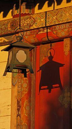 lantern to kiyomizu temple / kyoto / gutersohn