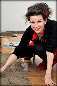 Nemeth Hajnal Aurora: I'm playing with the sand, again:))But I didn't have a shovel:(/Újra homokozok!!:)Csak kislapátom nem volt hozzá...POMPEI 2.0 Hogyan készült/How was it made...