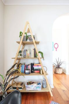 21 Best College Apartment Organization Ideas Thatll Change Your Life By Sophia Lee Student Apartment Decor, Diy Apartment Decor, Small Apartment Decorating, Student Home, Student Living, College House, College Apartments, Melbourne Apartment, Flat Ideas