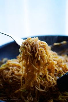 15 Minute Chow Mein Noodles... I'm going to use fine egg noodles.