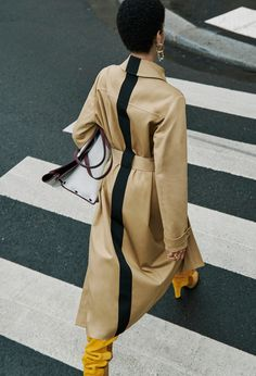 Fashion Week trends report: Resort 2020 Givenchy Best trends from the resort 2020 collections vogue tumeric and terracotta Trend Fashion, Estilo Fashion, Fashion 2020, Look Fashion, Fashion Details, Editorial Fashion, Runway Fashion, Womens Fashion, Fashion Design