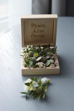 #littlebox #weddingpillow #artemi Wedding Pillows, Little Boxes, Decorative Boxes, Frame, Home Decor, Art, Small Boxes, Homemade Home Decor, Art Background