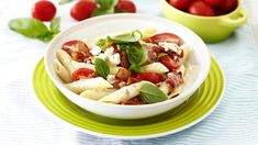 CREAMY PASTA SALAD WITH BLUE CHEESE AND BACON -The indulgent flavour of blue cheese makes this dish a gourmets delight topped with tomato. Serve it in individual portions as a starter or on a large platter when entertaining. Creamy Pasta Salads, How To Make Cheese, Blue Cheese, Platter, Dressings, Salad Recipes, Bacon, Cooking Recipes, Lunch