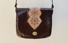 Etsy のGenuine Goat Leather Messenger bag/ Crossbody bag/(ショップ名:SaharartDouz)