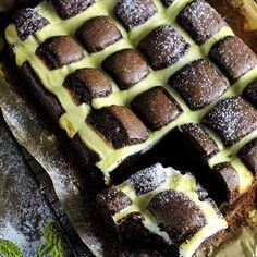 Poduszkowiec ❤ #ciasto czekoladowe z serem  #czekolada #ser #deser #mniam #omnomnom #foodstylingandphotography #food #foodporn #foodpornshare #instafood #amazingfood #foodforlife #hautescuisines #f52grams