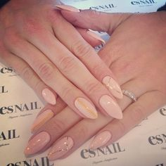 I like this nail shape! Plus it makes your fingers look slender / longer.