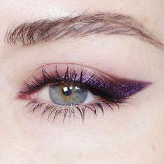 Eye Makeup Diy any Eye Makeup Tutorial Silver; Eye Makeup For Dark Brown Eyes Tutorial; Eye Makeup For Green Eyes How To Makeup Trends, Eyeliner Trends, Makeup Inspo, Makeup Ideas, Makeup Guide, Eyeliner Ideas, Eyeliner Styles, Lila Eyeliner, Purple Eyeliner