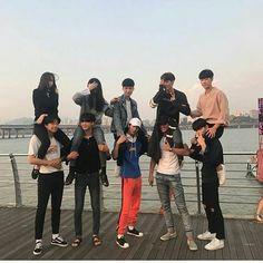 💙Jaexmin le dio me gusta a tu foto # Fanfic # amreading # books # wattpad Korean Best Friends, Boy And Girl Best Friends, Cute Friends, Korean Boys Ulzzang, Ulzzang Couple, Ulzzang Boy, Boy And Girl Friendship, Squad Photos, Cute Couples Photos