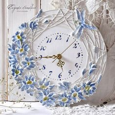 Inspiration - think easy to make Clock Art, Diy Clock, Clocks, Sculpture Painting, Wall Sculptures, Clay Crafts, Diy And Crafts, Plaster Art, Clay Flowers