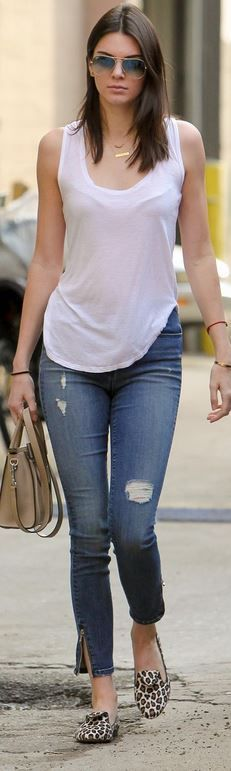 Kendall Jenner's Skinny Jeans Street Style Outfit