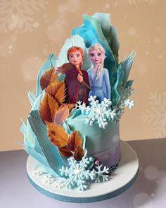 Disney Frozen Cake, Elsa Frozen, Disney Frozen Birthday, Disney Cakes, Anna Frozen Cake, Frozen Movie, Frozen Themed Food, Frozen Theme Cake, Frozen Fondant Cake