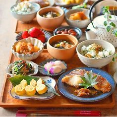 Japanese Dinner, Japanese Food, Food For A Crowd, Aesthetic Food, Food Menu, Diy Food, Summer Recipes, Asian Recipes, Food Inspiration