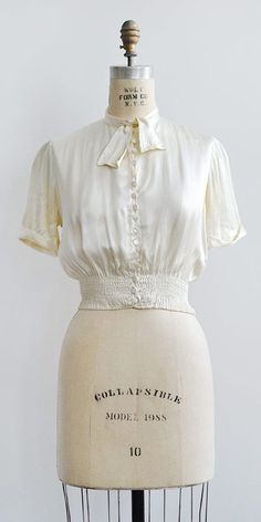 vintage 1930s blouse from Adored Vintage #vintageclothing