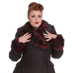 Rock Noir Coat + Size Step out in style this Winter in this gorgeous Hell Bunny coat with removable red & black faux fur collar feature. - See more at: http://www.sweetechoplus.com/outerwear/coats/rock-noir-coat-size.html