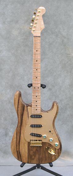 One piece Black Korina Fender Stratocaster #vintageandrare #vintageguitars #vandr.