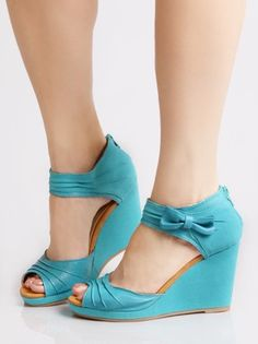 GRANDFATHER CLOCK BOW WEDGE IN TURQUOISE BY BC FOOTWEAR