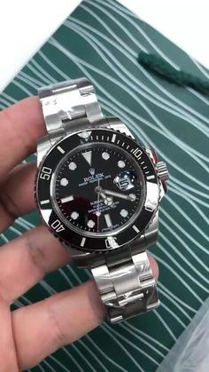 Rolex Submariner Date Men's Watch Rolex Submariner No Date, Rolex Submariner Verde, Rolex Datejust, Submariner Watch, Rose Gold Rolex, Rose Gold Watches, Rolex Watches For Men, Luxury Watches For Men, Affordable Mens Watches